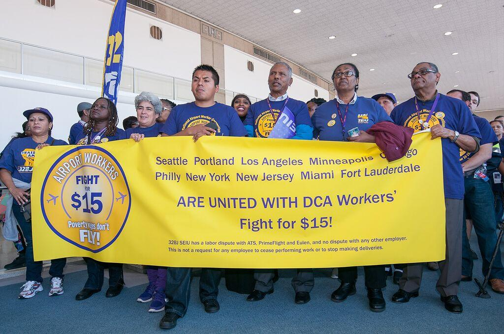 Airport workers in the #FIghtFor15